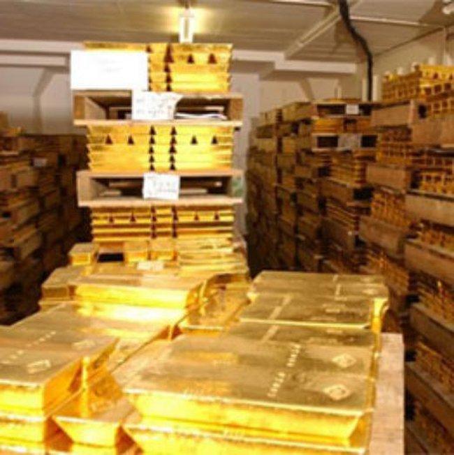Giá vàng sụt giảm lâu nhất trong 7 năm