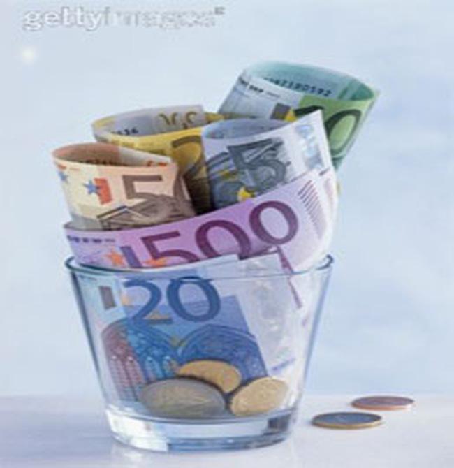 """Kinh tế châu Âu bên """"bờ vực"""""""