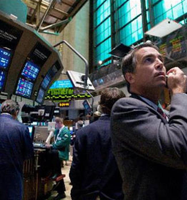 Thị trường thế giới tiếp tục đi xuống