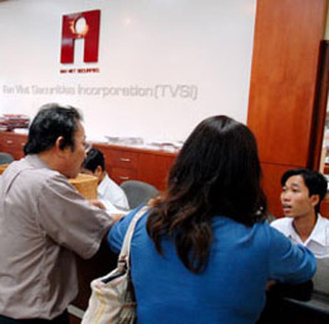 CTCK Tân Việt bị UBCKNN xử phạt