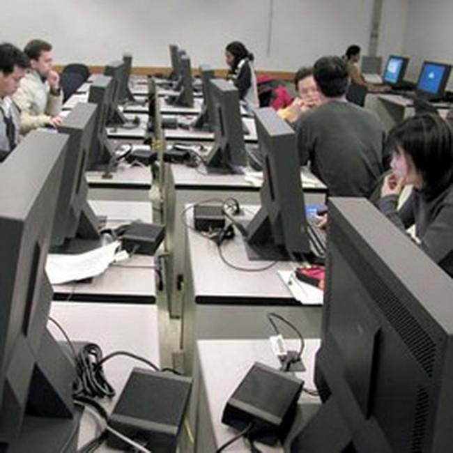 """Gia công phần mềm: """"Tầm thấp"""" vì… thiếu người tài"""