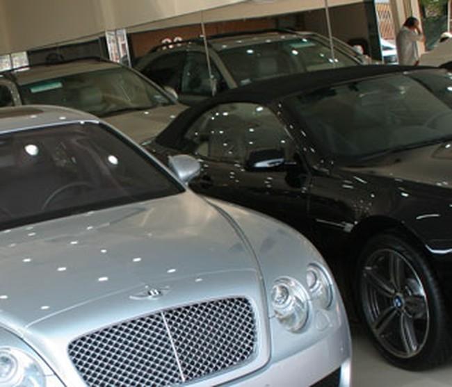 Ôtô nhập khẩu giảm kỷ lục