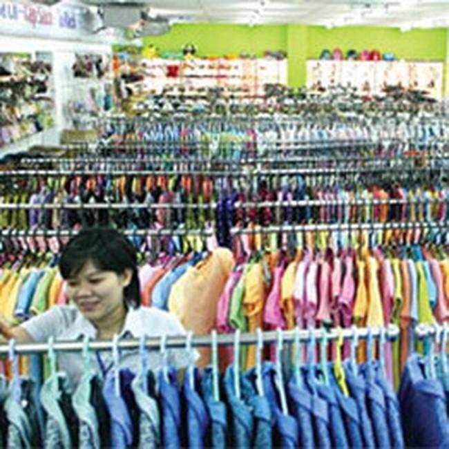 Hàng may mặc Việt Nam: Bắt đầu thua trong siêu thị