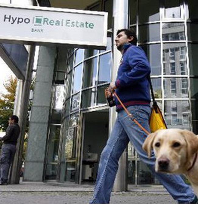 Chính phủ Đức cứu tập đoàn bất động sản hàng đầu