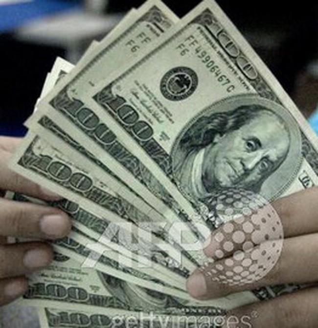 FED cân nhắc mua nợ để cứu doanh nghiệp