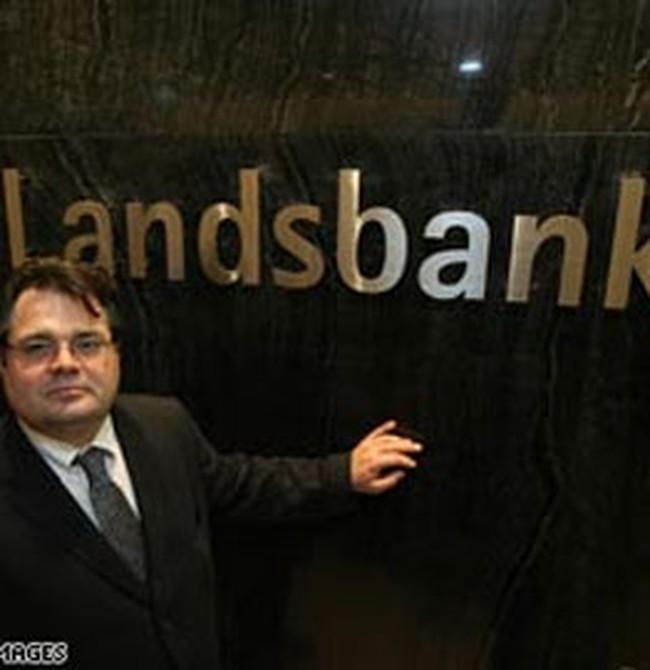 Thêm một ngân hàng châu Âu ra đi
