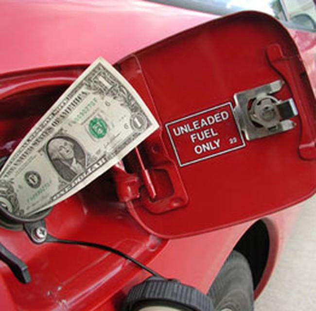 Giá dầu thấp nhất trong 11 tháng