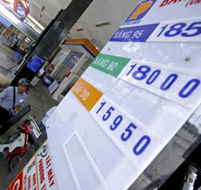 Giảm nhỏ giọt: Giá xăng dầu bất ổn từ gốc?