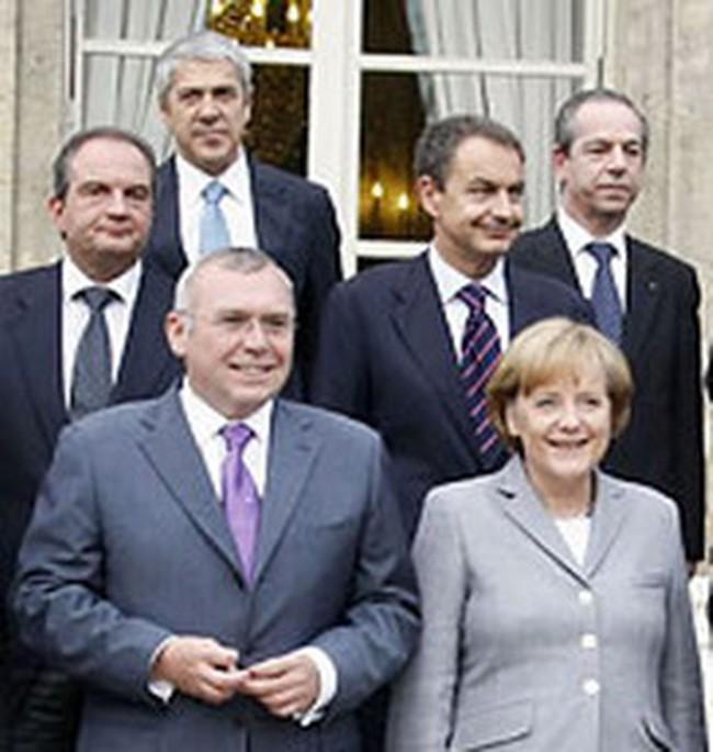 Hàng trăm tỷ Euro vực dậy ngành tài chính châu Âu