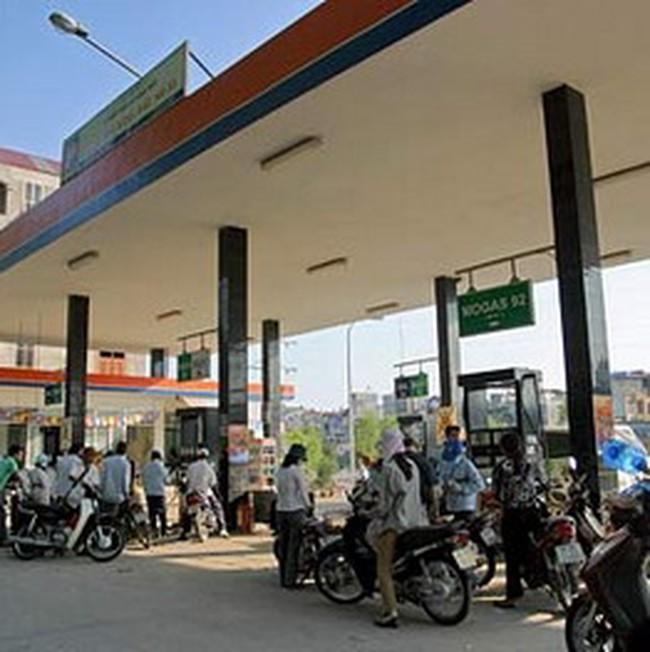 Doanh nghiệp xăng dầu hứa giảm giá bán