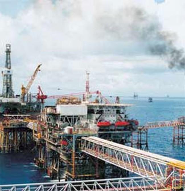 Nhà máy lọc dầu Dung Quất sắp đi vào hoạt động