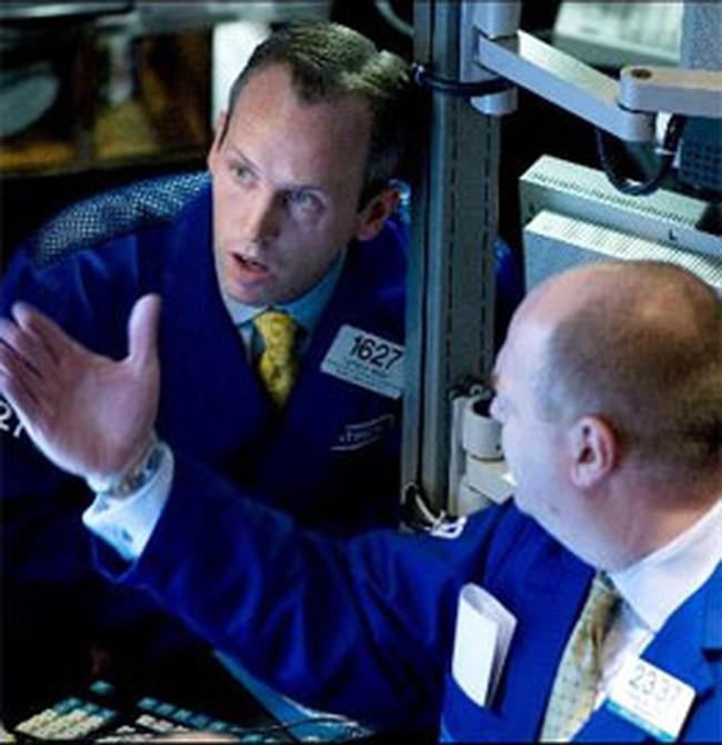 Chứng khoán Mỹ tiếp tục giảm vì nỗi sợ suy thoái