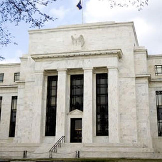Các ngân hàng vay tiền kỷ lục từ FED