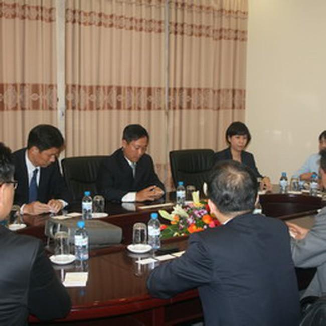 Đoàn đại biểu Sở GDCK Hàn Quốc đến thăm và làm việc với TTGDCK Hà Nội