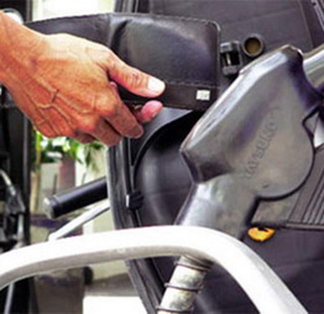 Đã đến lúc hợp lý để hạ giá xăng