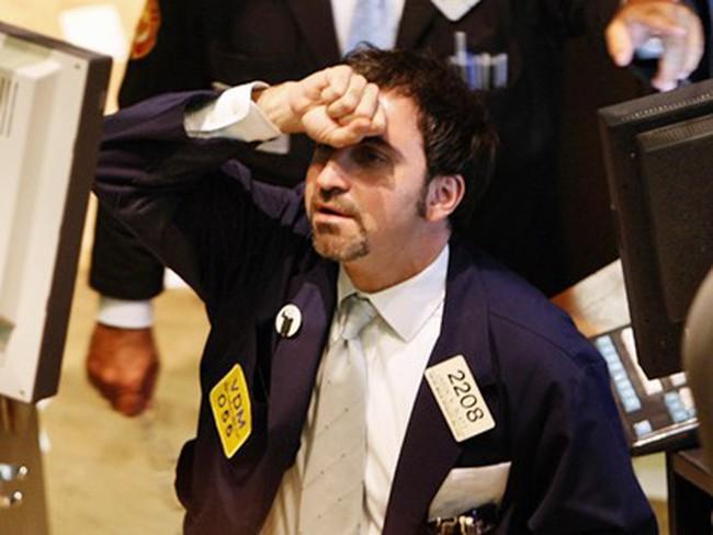 Mỹ: Thị trường chứng khoán lại chao đảo do khu vực dịch vụ ế ẩm