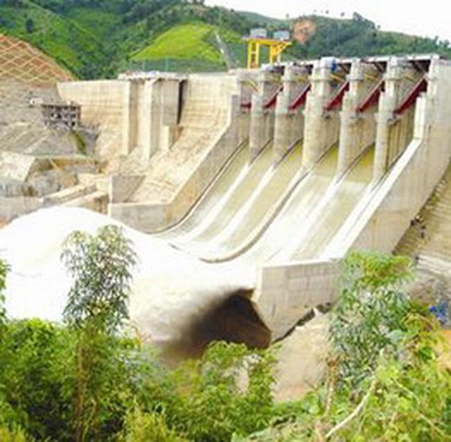 Việt Nam đầu tư ba dự án thủy điện tại Lào