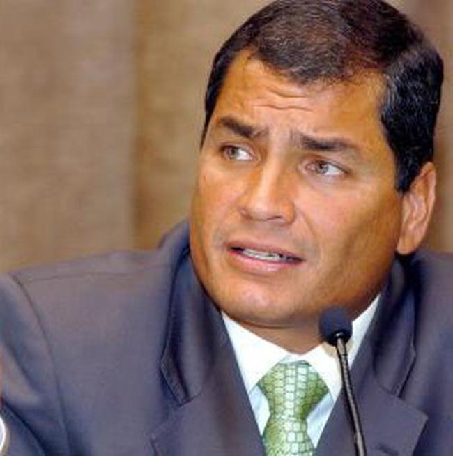 """Ecuador mua lại trái phiếu sau khi tuyên bố """"xù nợ"""""""