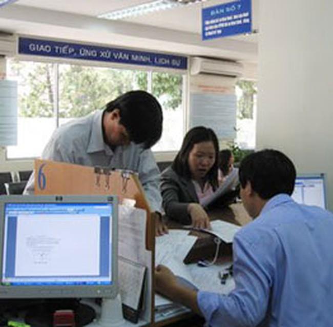 Hà Nội lùi việc khấu trừ 20% thu nhập đến tháng 4/2009
