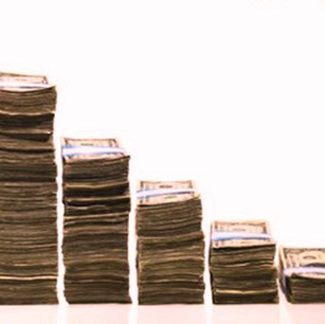 Giảm lãi suất tiền gửi ngoại tệ vượt dự trữ bắt buộc xuống 0,5%/năm