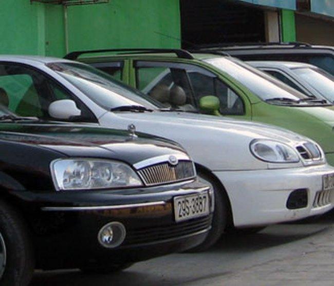 Mua bán xe hơi thời ế ẩm