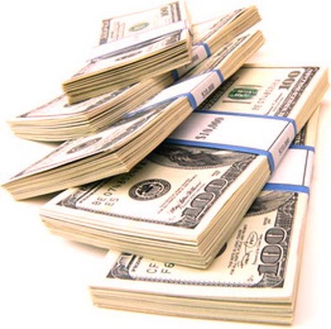 Lãi suất giao dịch 12 tháng VND liên ngân hàng gần chạm mốc 11%/năm