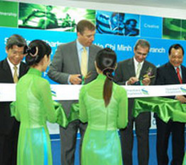 Standard Chartered triển khai dịch vụ  tài khoản vãng lai trực tuyến
