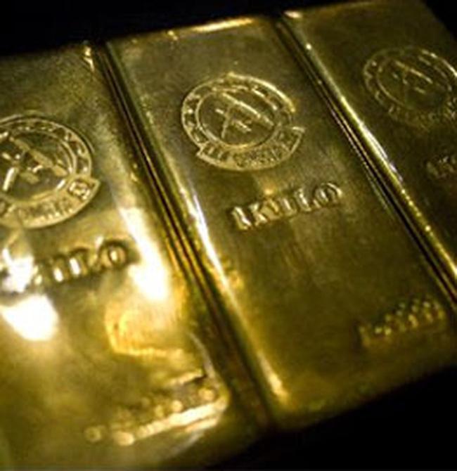 Vàng chạm mốc 18 triệu đồng/lượng, USD giảm nhẹ