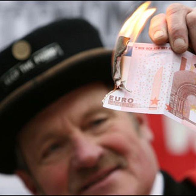 Năm 2009: USD sẽ tiếp tục lên giá so với euro