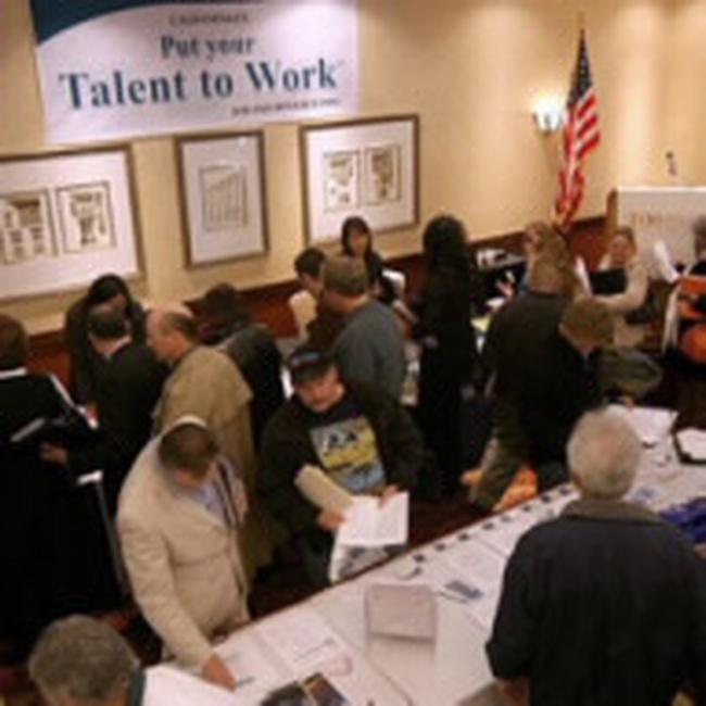 Số người Mỹ nhận trợ cấp thất nghiệp tiếp tục tăng
