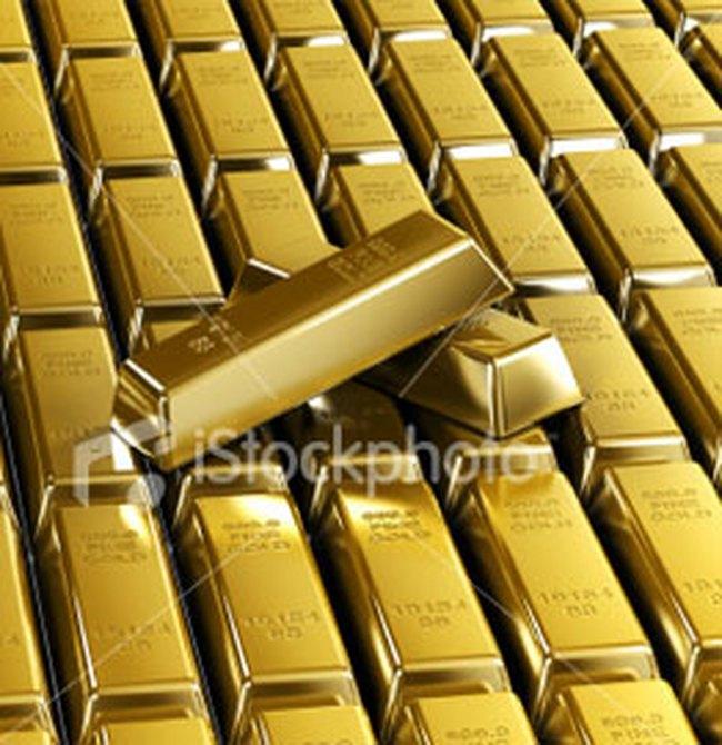 Vàng tăng nhẹ, USD giảm xuống 17.560 đồng