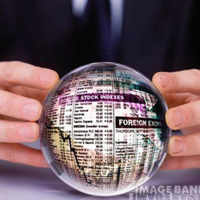 Ngày đầu giao dịch trực tuyến: Thanh khoản giảm mạnh trên hai sàn