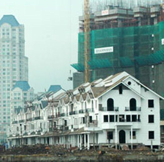Thị trường tiếp tục phát triển nhà giá thấp và đắt tiền
