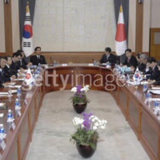 Nhật Bản và Hàn Quốc hợp tác ngăn khủng hoảng kinh tế