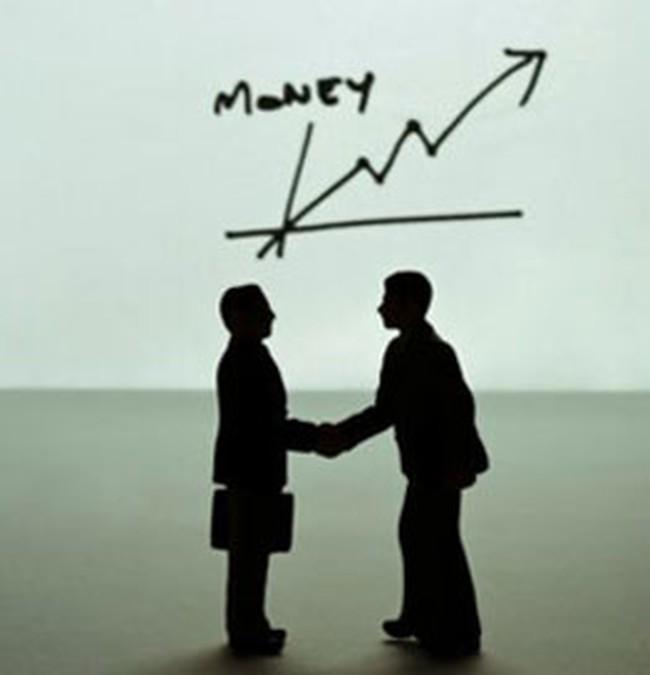 Khối ngoại đẩy mạnh bán ra MPC, SGT và mua vào HSG