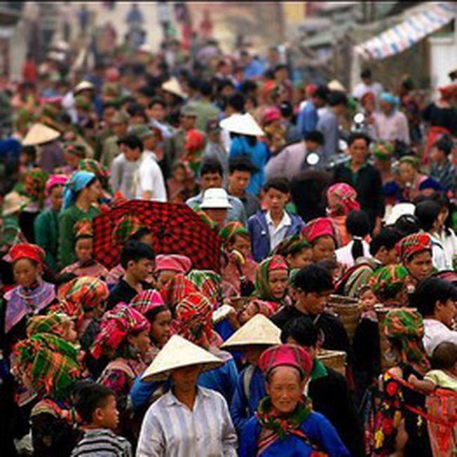 Lên Lạng Sơn shopping: sự hấp dẫn của hàng giá rẻ