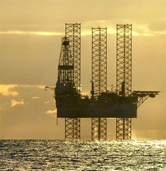 Giá dầu xuống dưới mức 34 USD/thùng