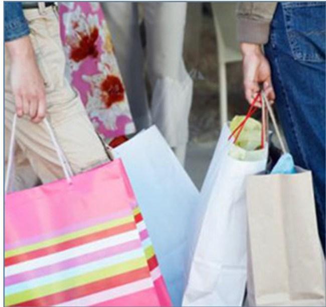 Muốn kích thích tiêu dùng người dân phải có tiền