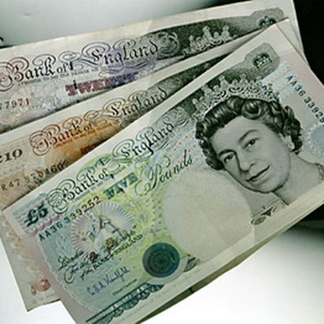 Bảng Anh tiếp tục giảm giá