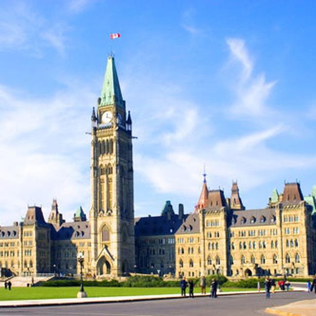 Canada cắt giảm lãi suất cơ bản xuống mức kỷ lục
