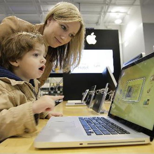 """Apple vẫn """"ăn nên làm ra"""" dù kinh tế suy thoái"""