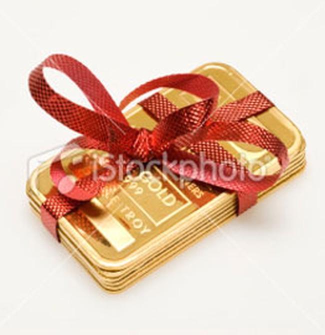 Giá vàng, giá dầu đồng loạt tăng nhẹ