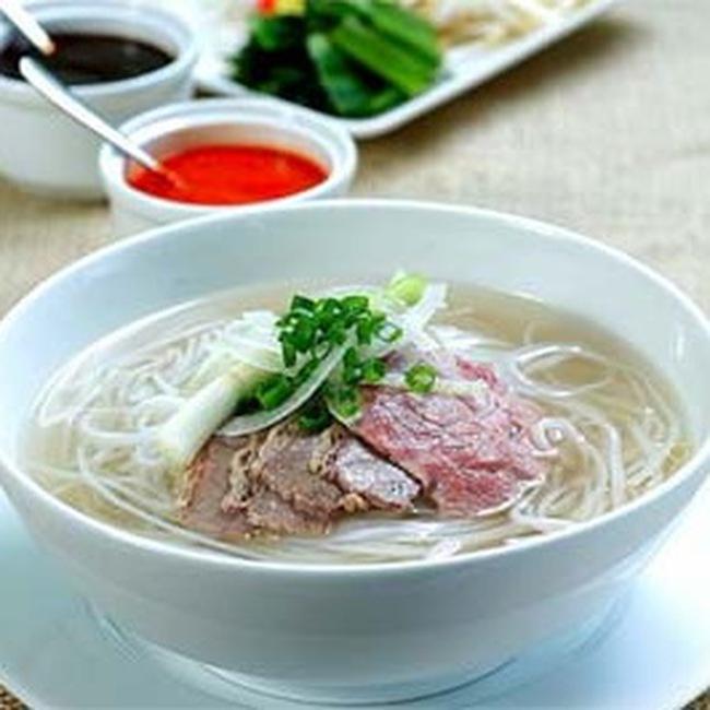 Trăm năm phở Việt