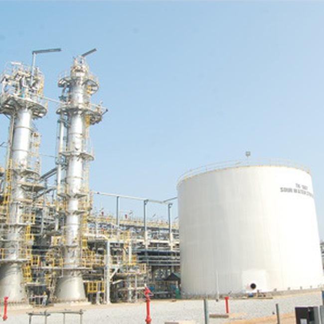 Dung Quất: Háo hức đón dòng dầu thương phẩm