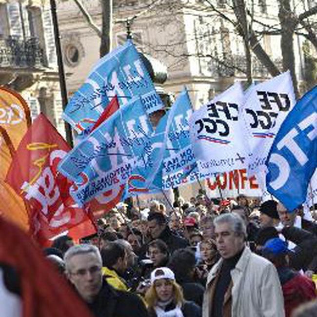 Công nhân Pháp tổng đình công đòi tăng lương