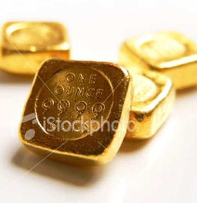 Giá vàng tiếp tục tăng nhẹ, USD đứng giá