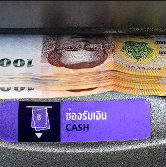 Thái Lan: đồng bath trượt giá, đối mặt với khả năng bị hạ xếp hạng nợ
