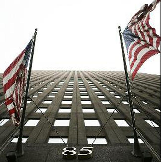 Goldman Sachs công bố lợi nhuận cao, tăng vốn thêm 5 tỷ USD