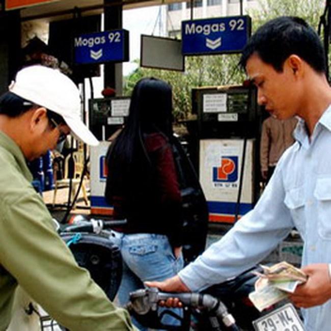 Tính giá bán lẻ xăng dầu trong nước đã dễ hơn