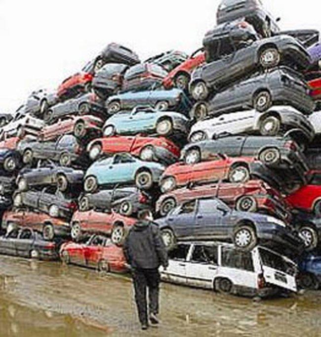"""Bi hài giải pháp """"thưởng dập xe cũ"""" ở Đức"""